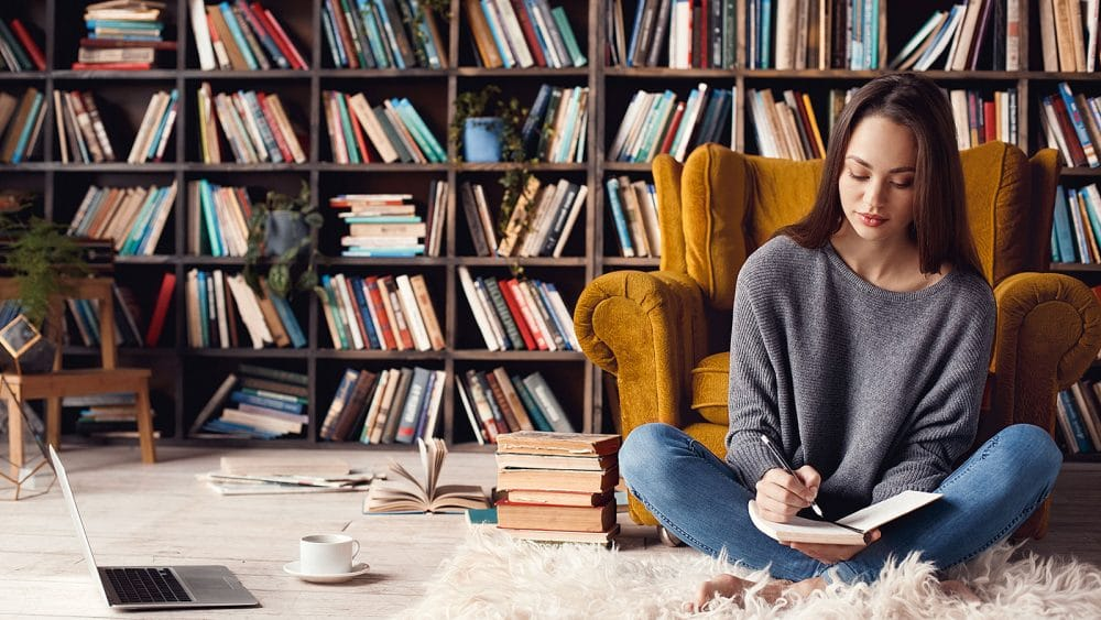 27 books every woman should read in their career